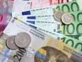 الدولار مقابل الفرنك يتخطى حاجز الدعم
