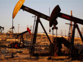 انخفاض أسعار النفط مع زيادة الإمدادات