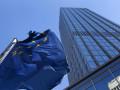 اليورو يستفيد من عمليات المسح الفرنسية والألمانية مع المخاوف جزئيا