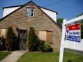 الدولار الامريكي ينتظر مبيعات المنازل القائمة
