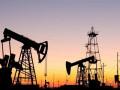 أسعار النفط تتراجع من أعلى مستوياتها