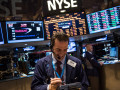مؤشر البورصة الامريكية الداو جونز يستمر اعلى الترند