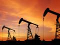 النفط يحقق مزيد من المكاسب مقابل الدولار