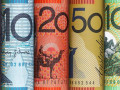 الدولار الاسترالي يرتفع بدعم من صفقة التجارة
