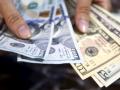 الدولار الأمريكي يرتفع بقوة بدعم من بيانات الإقتصاد