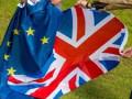 التوترات المستمرة بشأن البريكسيت تدفع الإسترليني للهبوط