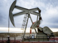 اسعار النفط تتراجع بقوة من اعلى مستوياتها فى شهرين